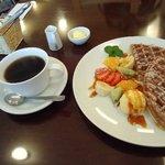 パカットカフェ - キャラメルワッフルセット¥580