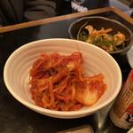 お値段以上の大衆居酒屋 大金星 - 白菜キムチ 380円