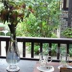 14583465 - 中庭があって雰囲気良いです。