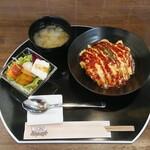 カフェダイニングBOND - 料理写真:オムライス