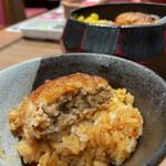 肉食家さんのハンバーグ にくきゅうグリル - 肉食家さんの ハンバーグまぶし 1030円(税込1133円)