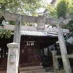 14584975 - お店の隣は幸神社