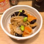 すみれ - お通しの煮物