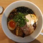 うまい麺には福来たる - 鯛香る醤油らーめん(820円、真上から)