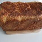 ベーカリー ハチマルニ - デニッシュ食パン2