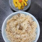 145884030 - 【煮卵入りランチ】                       (中華そば+肉ごはん小+おしんこ)¥910