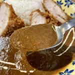 喫茶★レストラン マカロニキッチン - 突き抜けたスパイスは無いけど本当に柔らかな味わいな欧風カレー。