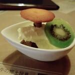 和洋食道 Ecru - デザート:バニラアイスとチョコババロア