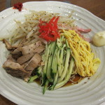 倭食処 かくれんぼ - 冷やし中華(1,000円)