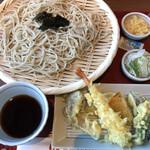ヒカリ - 海老と野菜の天ぷら蕎麦 780円