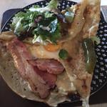 カフェ ド ラフェット - 料理写真:大きなガレット