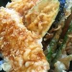 天壱 - タレ天丼のアップ