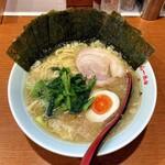 一八家 - ラーメン700円麺硬め。海苔増し100円。