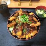 どんぶりころころ - トリプルミックス丼(ソース)750円