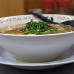 中華そばまるみ - 料理写真: