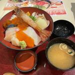 釧路ふく亭 - 料理写真:特上海鮮丼¥2.090