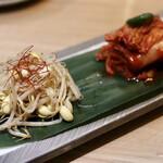 最飛びヒレ家 馬喰一代 名古屋EAST - 白菜キムチ・こだわりの豆もやし