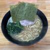 巓 - 料理写真:並ラーメン(720円)