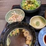 吾妻 - 赤出汁 ごぼうと人参のサラダ 野菜サラダ
