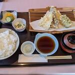 芳村 - 料理写真:冬のおすすめ定食