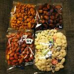 石井いり豆店 - カレー豆、煎そら豆、塩味落花生、ひなあられ