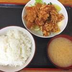 男の厨房 - 唐揚げ定食ランチは700円です