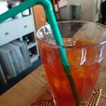 ロングウォーク コーヒー - アイスティー✨珈琲のお店ですが紅茶もしっかり濃くて美味しかったです!