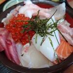 五右衛門 - 料理写真:海鮮丼