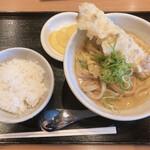 カレーうどん 千吉 - ちくわ天(ご飯、漬物付)790円 変更全粒粉麺