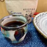 7325コーヒー - 最初はやや酸味が強めかと思ったが温度高めで入れたらバランスが良くなり美味しくいただきました