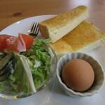 L.P.❤Record's - トースト・ゆで卵・サラダ