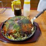 お好み焼き・鉄板焼き お福 - 料理写真:マヨ&ソース装備(笑)