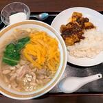 146009155 - チャイナグリーン@東京ビッグサイト とり肉そば・半マーボー丼(1000円)