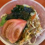 甚兵衛寿司 - 料理写真:サラダ
