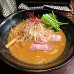 ガンコンヌードル - エビ味噌ラーメン 870円