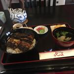 丸よ - 料理写真:特上丼・松。鰻巻き玉子を入れて一匹と思います。