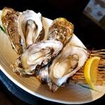 ことぶきや - 殻付き蒸し牡蠣3個 900円