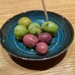Niru - ラロッカ社オリーブの燻製