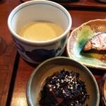 大黒屋 - ひじき煮がたっぷり&トロロで食物繊維バッチリ摂取。