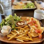 カリフォルニア スタイルキッチン - BBQポークケサディア+クリームチーズトッピング