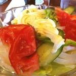 喫茶十字路 - 野菜サラダは、マヨネーズのみの、フレッシュでシンプルな味わい♪