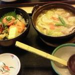 華屋与兵衛 - 三色ちらし丼とちゃんぽんうどん 980円