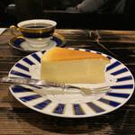 鈴木珈琲店 - ベイクドチーズケーキ、ブレンド