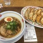 餃子の王将 - ジャスト醤油ラーメン363円、餃子2人前528円(2020.12.25)