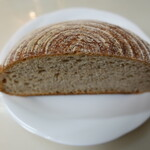 La Boulangerie ASAYA. - カンパーニュ(ハーフで205円)