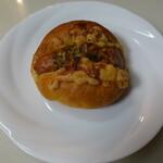 La Boulangerie ASAYA. - ソシソン(175円)