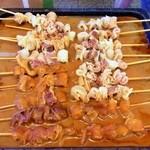 肉のさかもと - どて焼が並んでまっせ