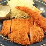 薩摩 茶美豚 とんかつ 花 - 花ミックスかつ定食は、海老フライ、ヒレカツ、ロースカツが入ってます♪