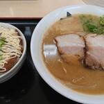 中華そば うりぼう - 料理写真:中華そばとチャーシュウ丼1000円