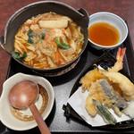 味の民芸 - 料理写真:味噌煮込みうどんと海老天